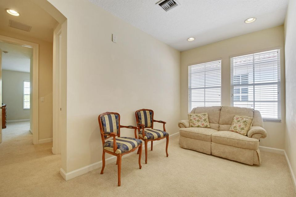 Open Loft/Office Area