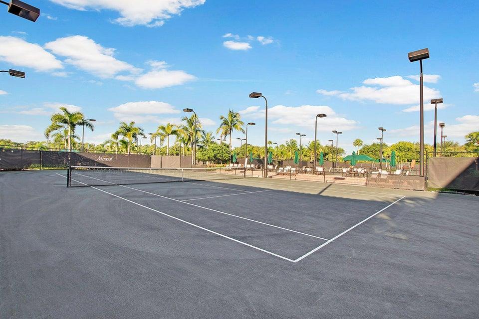 36 Tennis Courts