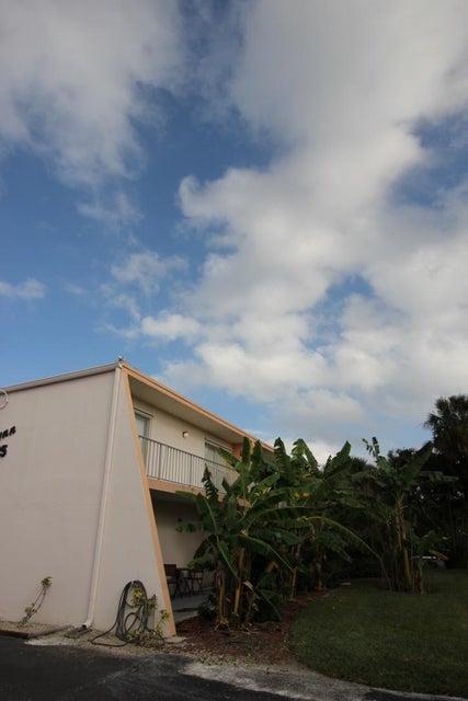 725 Hummingbird Way North Palm Beach FL 33408