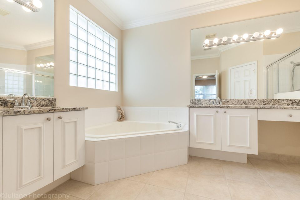 Del Corso Lane Delray Beach FL SOLD LISTING MLS - Bathroom vanities delray beach fl