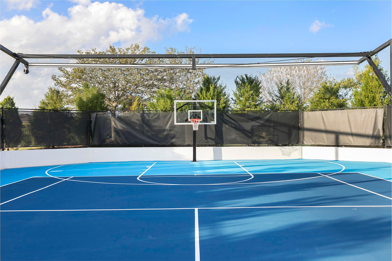 Tennis/ Basketball