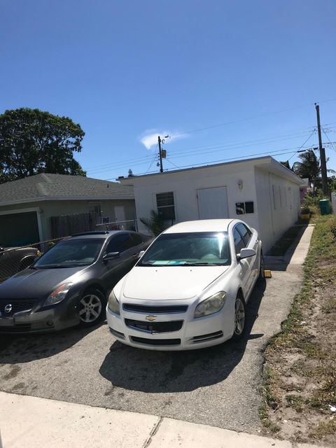 430 12th Avenue- Boynton Beach- Florida 33435, ,Duplex,For Sale,12th,RX-10405486