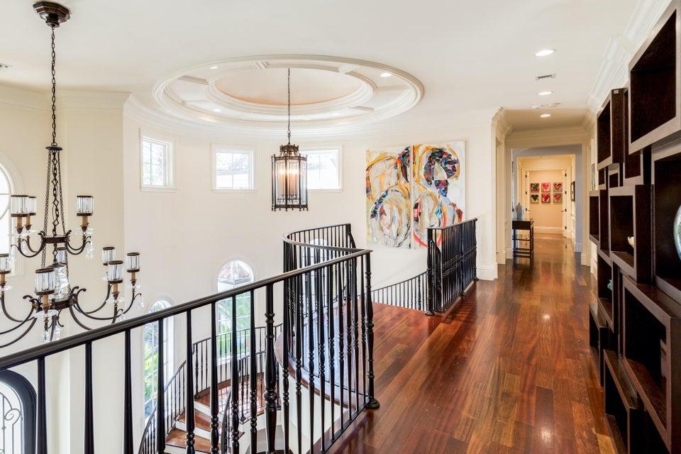Upstairs Foyer 1