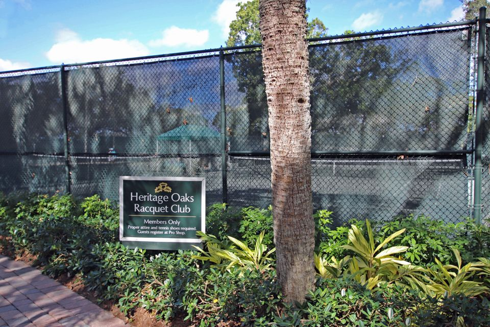 Heritage Oaks - Tennis Courts