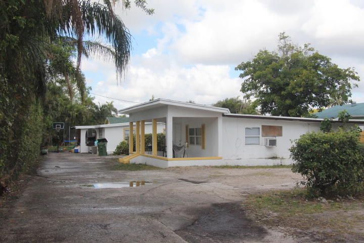 3771 Coconut Road- Lake Worth- Florida 33461, ,Triplex,For Sale,Coconut,RX-10413608