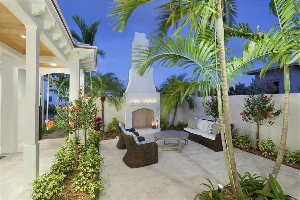 Fire Pit/Outdoor Seating