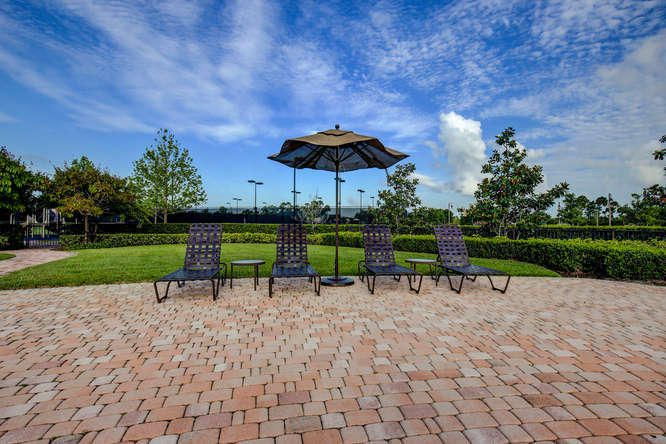 280 Cortona Blvd Jupiter FL-small-024-Pa