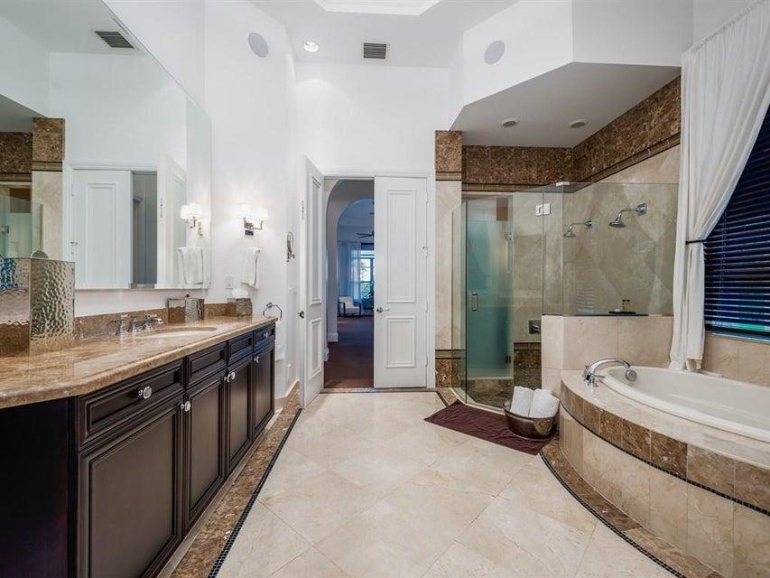 _Main Master Bathroom Area