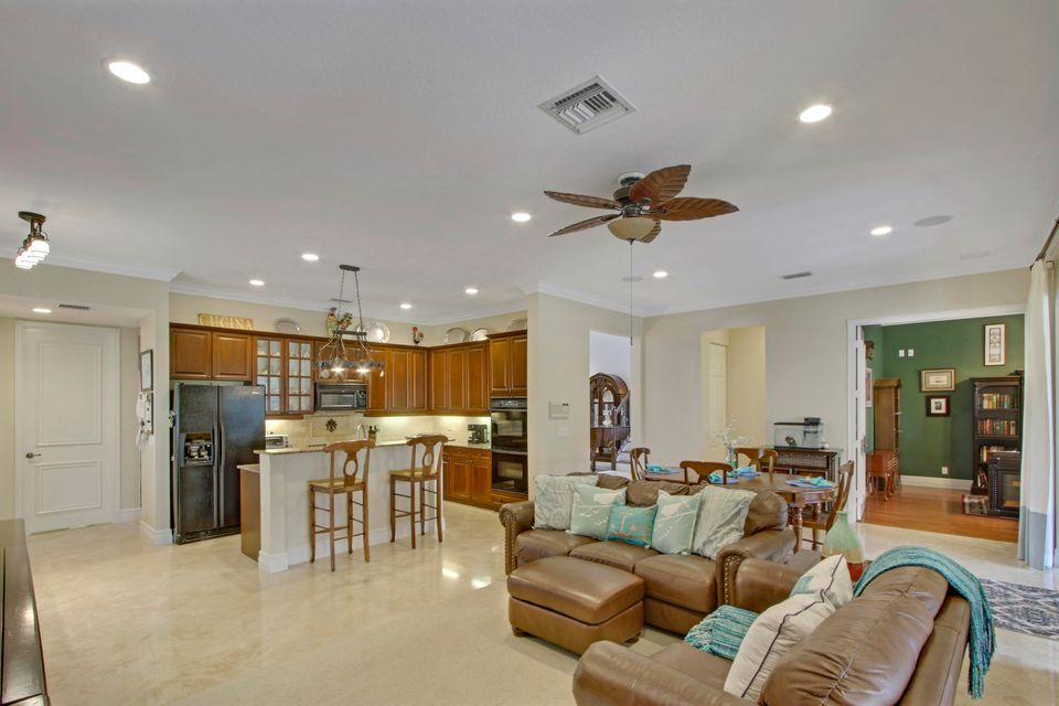 Open Kitchen & Family Room