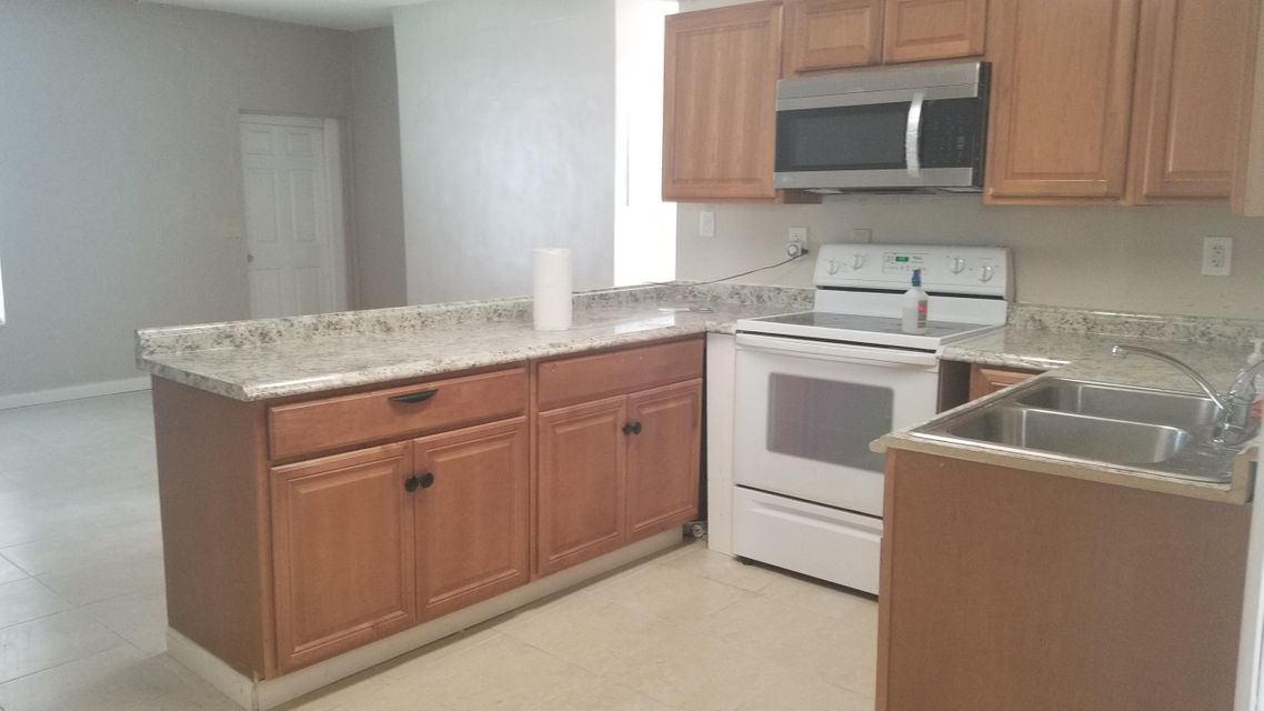 4831 Vermont Avenue, Lake Worth, Florida 33461, ,Triplex,For Sale,Vermont,RX-10422513