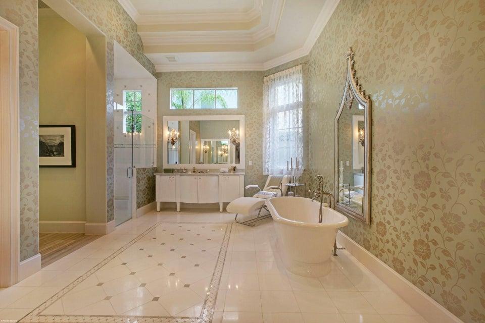 Her Master Bath (2)