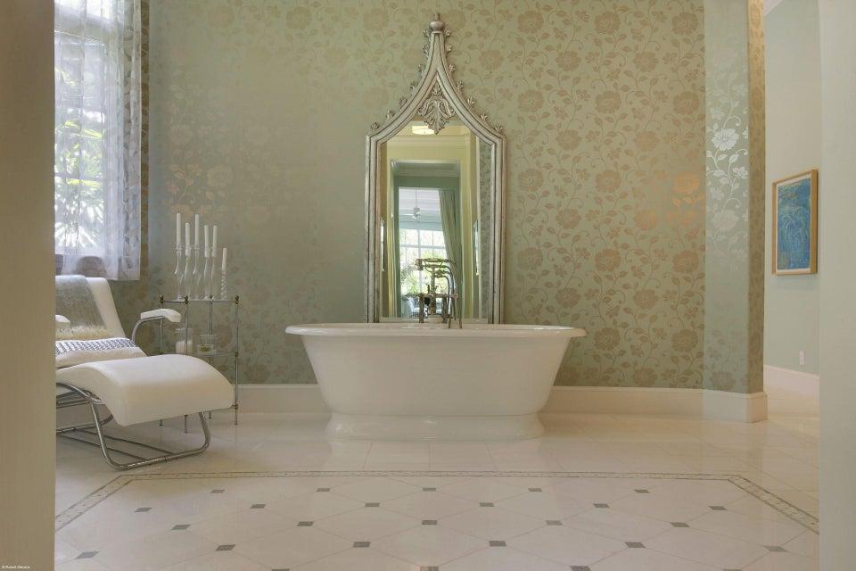 Her Master Bath (3)