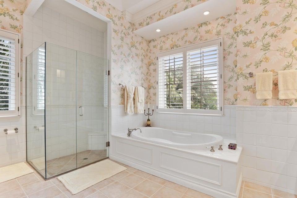 ladies master shower