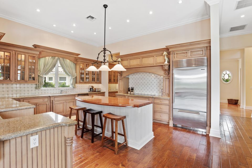 great entertaining kitchen