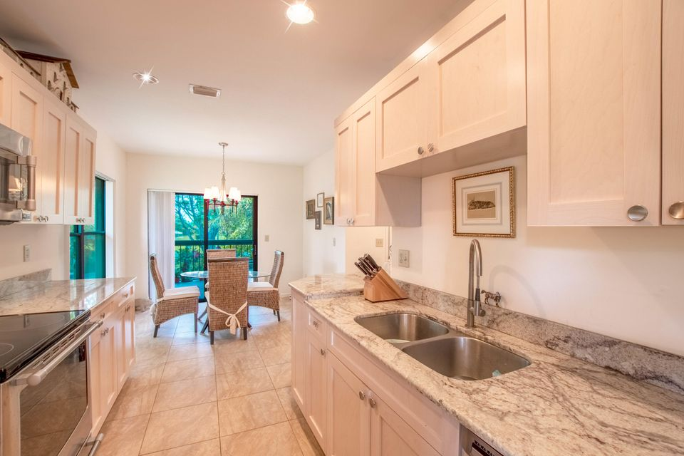 11267 Pond View Drive, Wellington, Florida 33414, 3 Bedrooms Bedrooms, ,3 BathroomsBathrooms,Condo/Coop,For Sale,Palm Beach Polo & Co,Pond View,2,RX-10425729