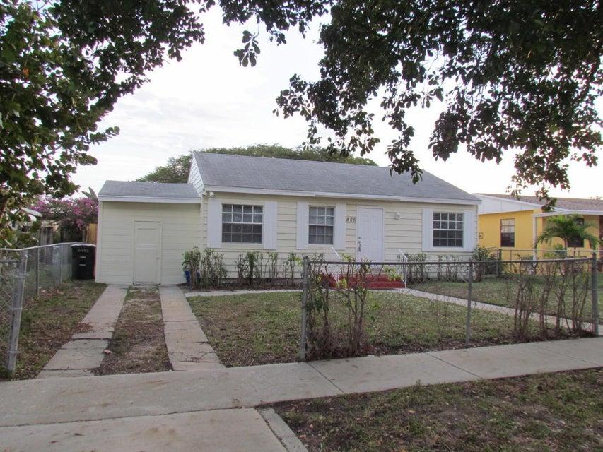 828 Summit Boulevard, West Palm Beach, Florida 33405, ,Duplex,For Sale,Summit,RX-10426431