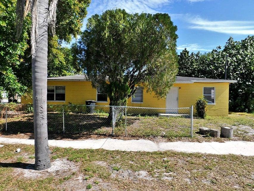 1909 Avenue E- Fort Pierce- Florida 34950, ,Duplex,For Sale,Avenue E,RX-10427246