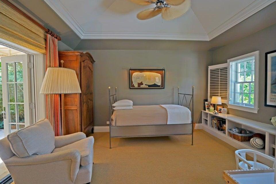 Bedroom suite w/French doors