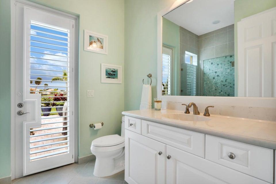 Bathroom 4 / Cabana bath