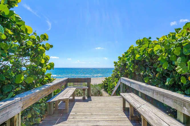 140 Ocean Dr Juno Beach FL-small-016-24-