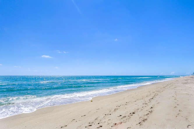 140 Ocean Dr Juno Beach FL-small-019-12-