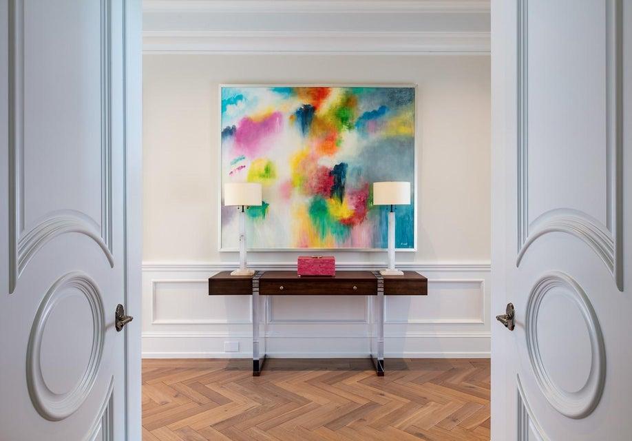 22 Master Suite Entry Vestibule