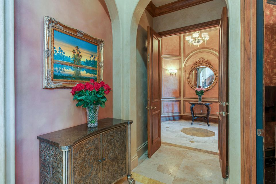 Private Foyer to Master Bedroom