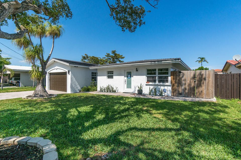 JUST LISTED FT LAUDERDALE BOAT DOCK HOMES - HOME MAX REALTY ...
