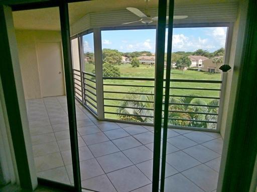 5901  Camino Del Sol #402 Boca Raton, FL 33433
