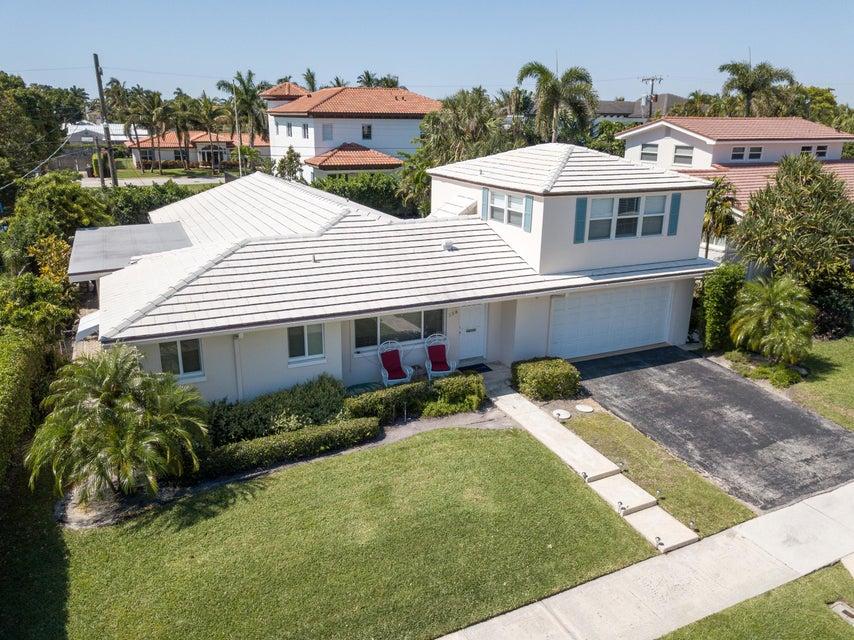 158 Worth Court S, West Palm Beach, FL 33405