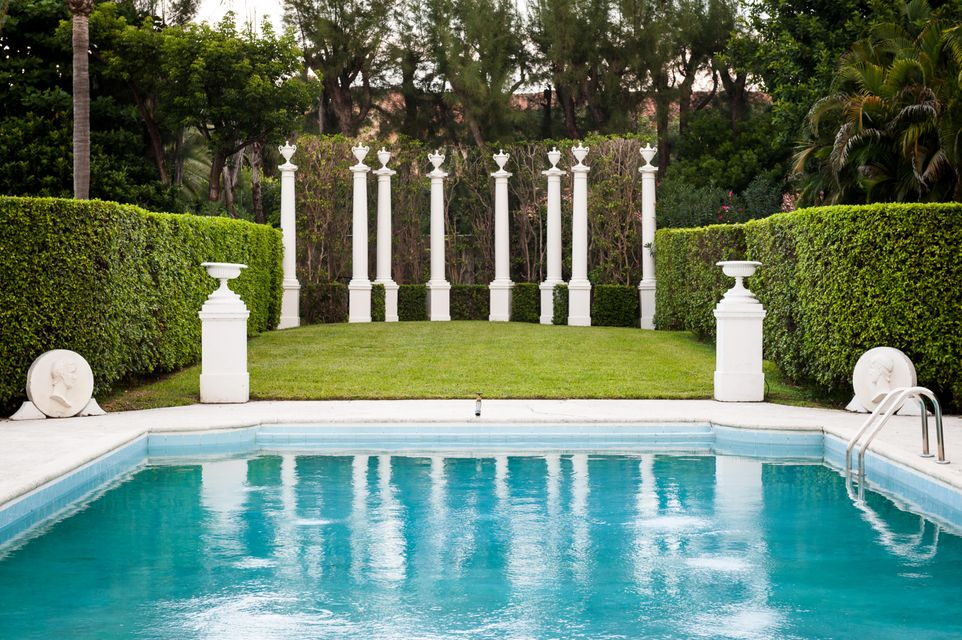 Pool & Columns