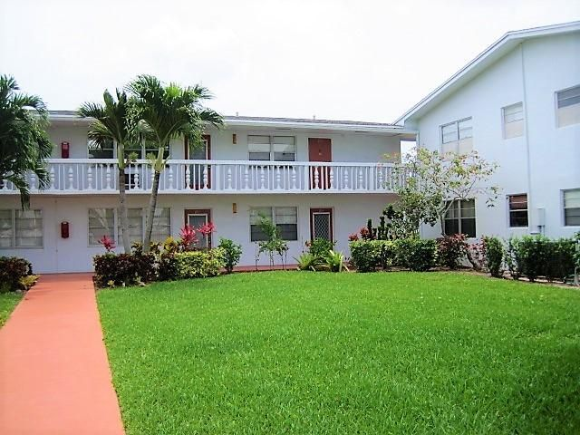 201 Ellesmere D, Deerfield Beach, Florida 33442, 2 Bedrooms Bedrooms, ,1.1 BathroomsBathrooms,Condo/Coop,For Sale,CENTURY VILLAGE,Ellesmere D,2,RX-10435120