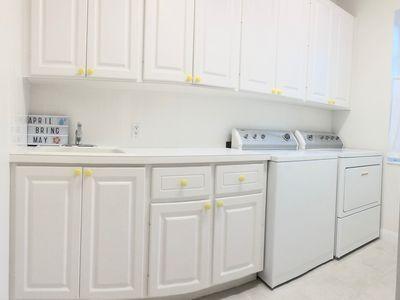 127-11_laundry_room