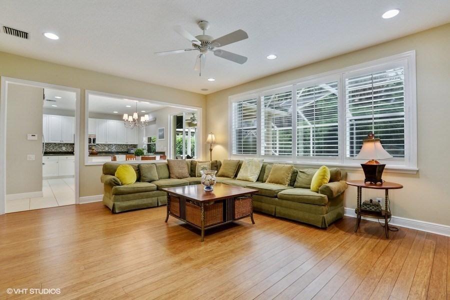 02 Living Room