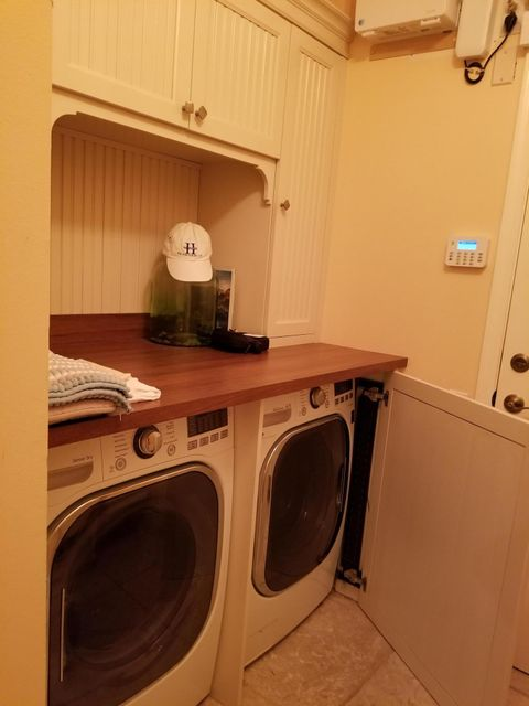 EGRET LANDING WASHER AND DRYER