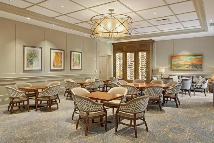 Mirasol Fine Dining lounge