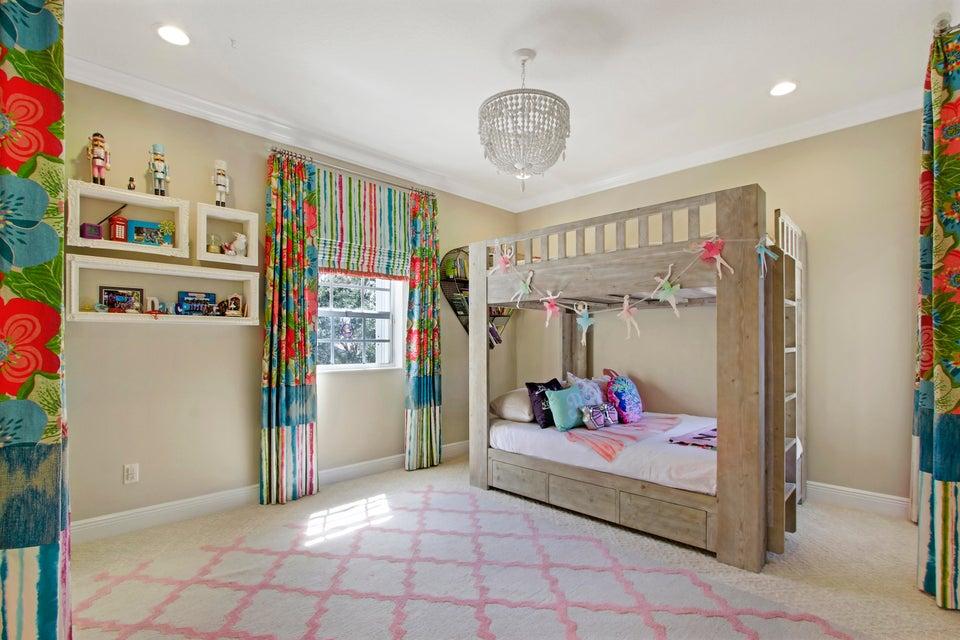 Beautiful Bedroom 2 Upstairs