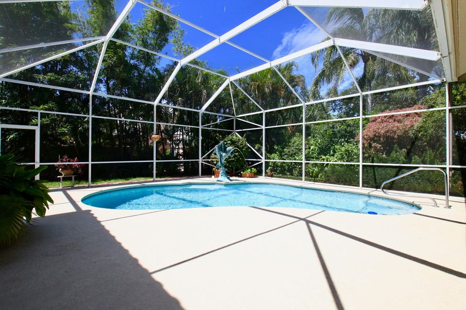 Free style Pool and non-slip patio