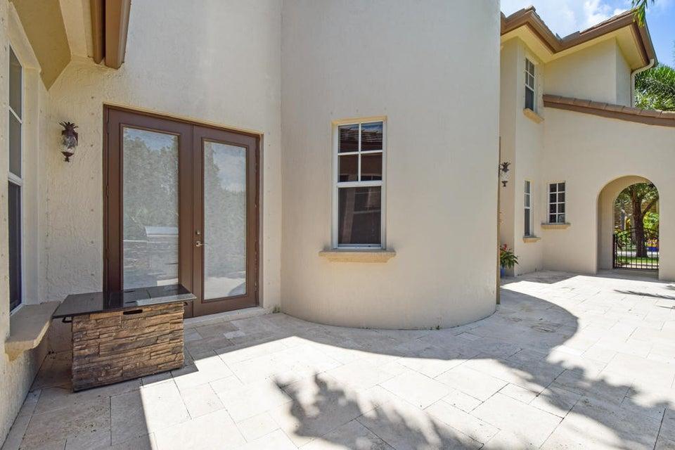 Courtyard Entertainment Area