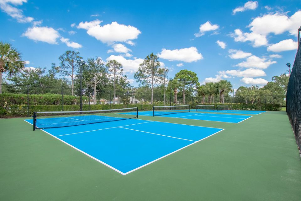 Community Pickle Ball Courts
