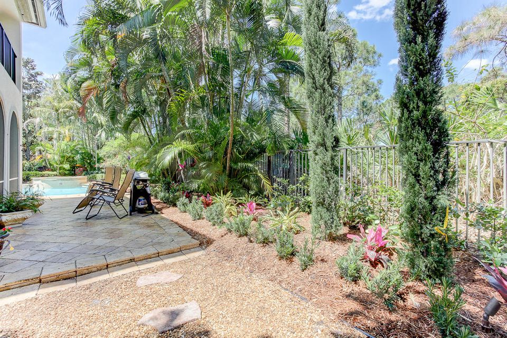 Secret Side Garden