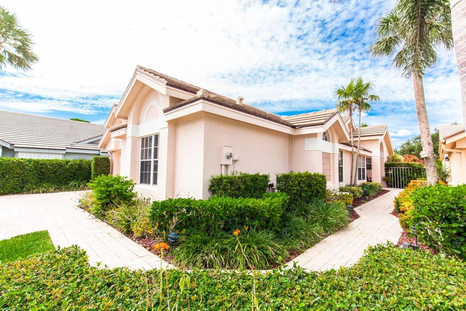 3820 Shearwater Dr-502