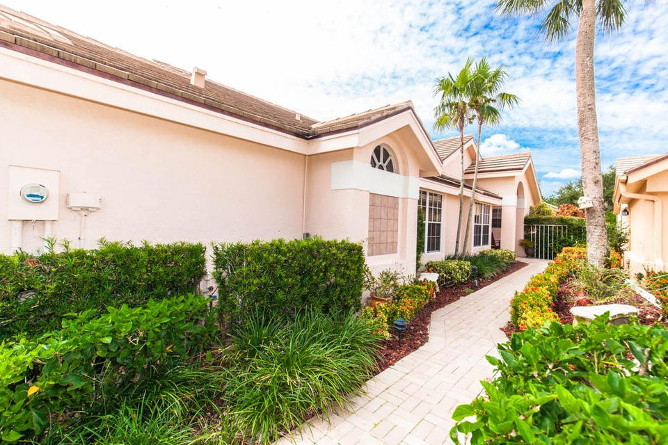 3820 Shearwater Dr-503