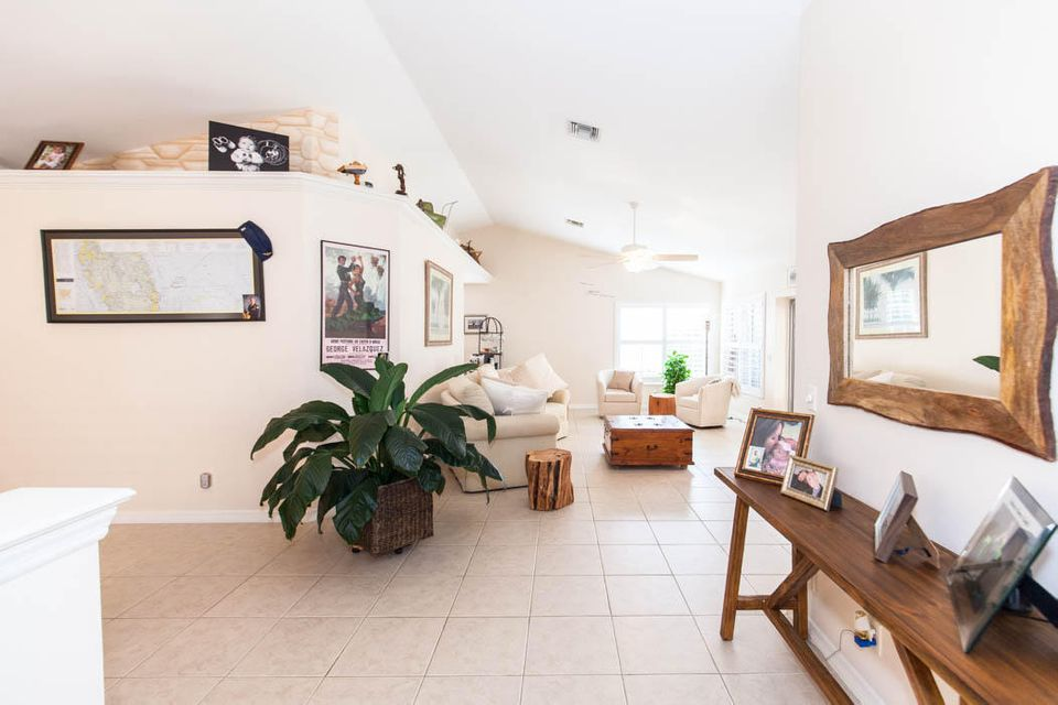 3820 Shearwater Dr-504