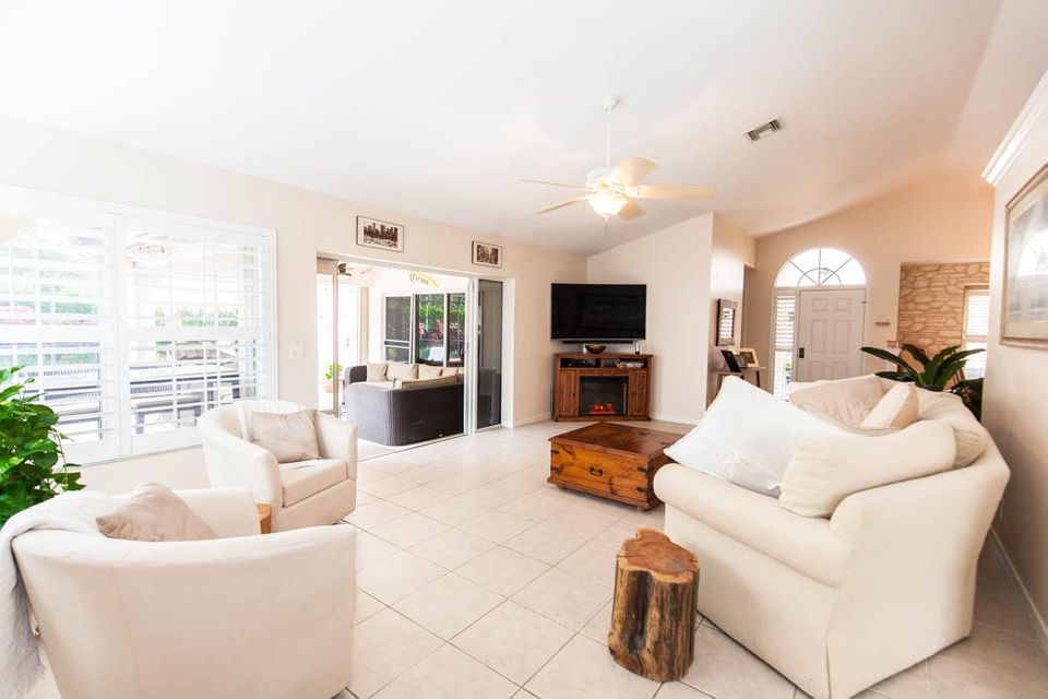 3820 Shearwater Dr-506