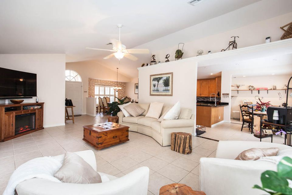3820 Shearwater Dr-507