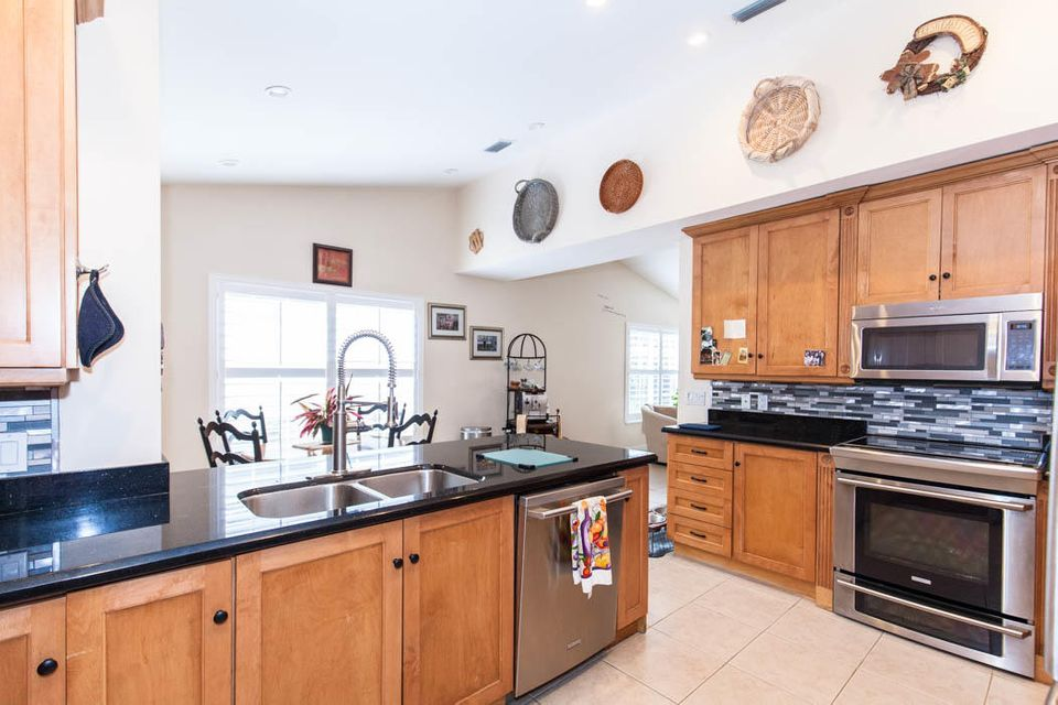 3820 Shearwater Dr-511