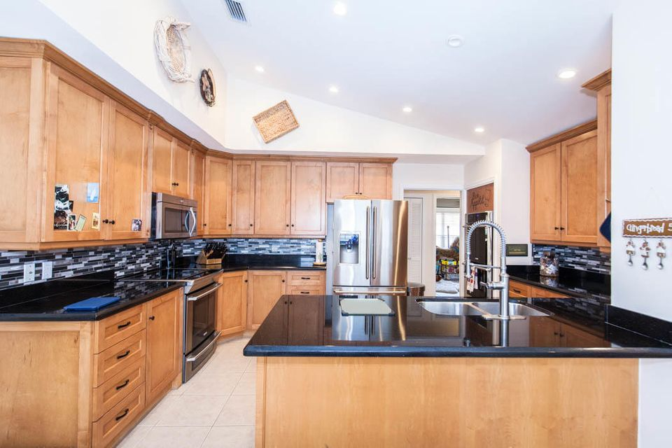 3820 Shearwater Dr-513