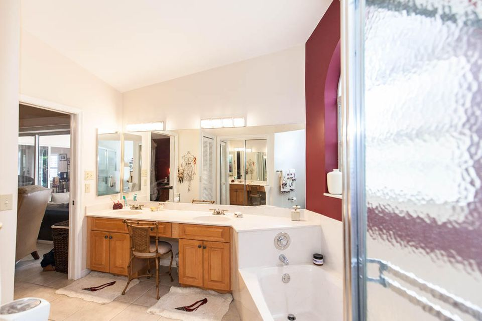 3820 Shearwater Dr-521