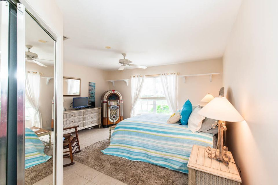 3820 Shearwater Dr-530